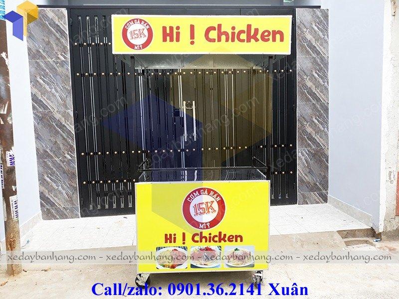 xe bán cơm gà lưu động