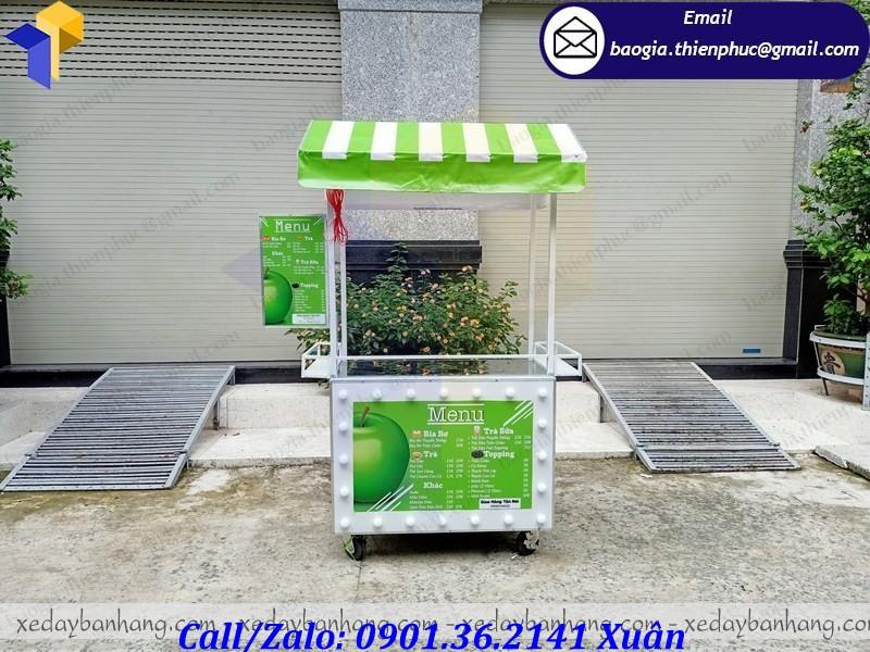 thiết kế tủ bán nước ép trái cây