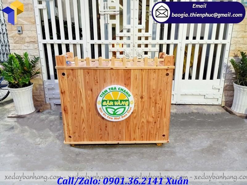 xe gỗ bán trà chanh